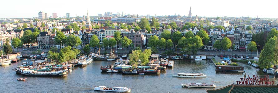 Amsterdam from the air (© Swimmerguy269, CC-BY-ASA-3.0)