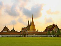 Emerald Buddha Temple in Bangkok's Grand Palace complex (© Sodacan, CC-BY-ASA-3.0)