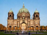 The Berlin Cathedral before sunset (© Thomas Wolf, CC-BY-SA 3.0 de)