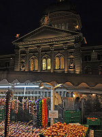 Bern's November Onion Market (© Arno Konings, CC-ASA-3.0)