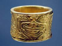 A gold bracelet on display at the Museo del Oro