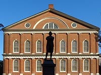 Faneuil Hall Square, Boston (© Robert Linsdell, CC-BY-ASA-3.0)