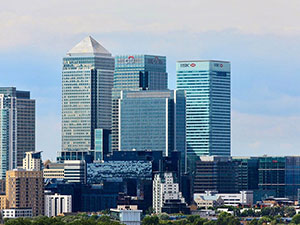 One Canada Square, as seen from Greenwich (© Harshil.Shah, CC-BY-ASA-2.0).