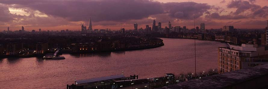 A view of the Thames from Canary Wharf (© mattbuck, CC-BY-SA-4.0)