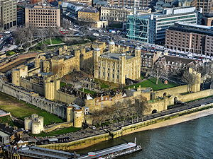 Aerial photography of the London Tower during daytime