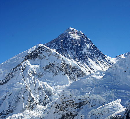Mount Everest seen from Kalapatthar