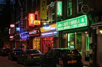Curry houses on Brick Lane (© Ahisyett, CC-BY-ASA-2.0).