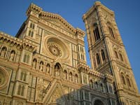 The intricately decorated facade of Florence's Cathedral (© Christopher Patterson , CC-BY-SA-3.0)