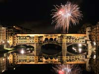 Fireworks over Florence's Ponte Vecchio (© Martin Falbisoner, CC-BY-ASA-3.0)