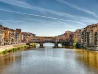 The Ponte Vecchio over the Arno River (© Gary Ashley, CC-BY-2.0)