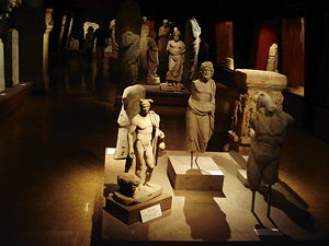 Ancient Greek exhibition at the Istanbul Archaeology Museum. (© Nevit Dilmen, CC BY-SA 3.0)