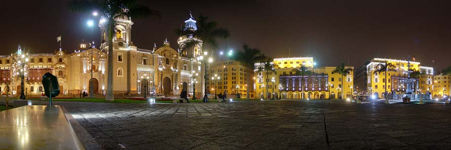 The historic centre of Lima (© Martin St-Amant, CC-BY-ASA-2.0)