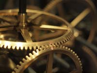 Clockwork cogs at the Liverpool World Museum (© SomeDriftwood, CC-BY-2.0)
