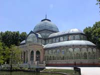 The Crystal Palace greenhouse in El Retiro (© JJkiang, CC-BY-ASA-3.0).