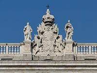 The Prince's Gate at Madrid's Royal Palace (© Bernard Gagnon, CC-BY-ASA-3.0)