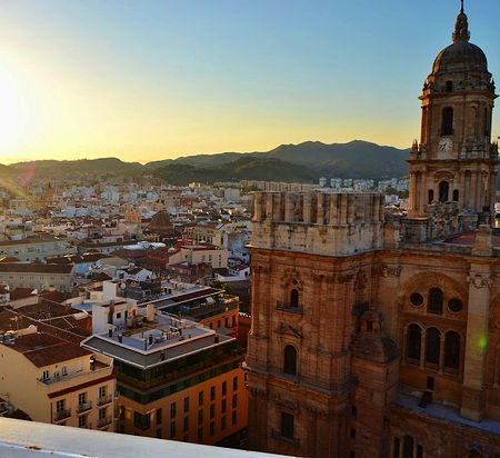 A view of the historical center of Malaga, Spain (© Danielmlg86, CC BY-SA 3.0)