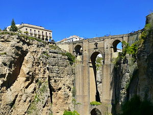 El Tajo' of Ronda, with the Puente Nuevo in the background (© Christopher Down, CC BY 4.0)