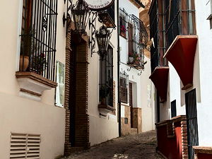 The small streets in Ronda are pleasure for strawling (© twin-loc.fr, CC BY 2.0)