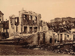 Ruins of the Aktientheater after the fire of 1890